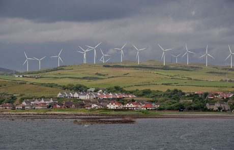 UK told to U-turn on wind subsidies