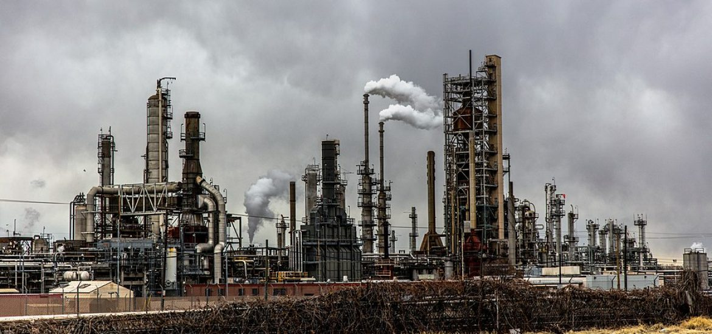 Oil price slumps as Saudis mull huge IPO