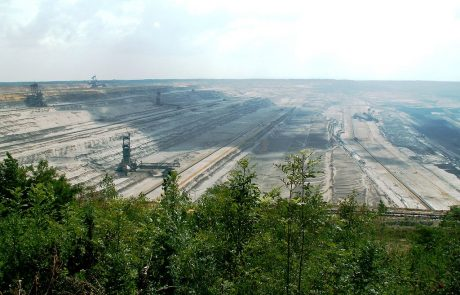 Lignite activists forced from Hambach