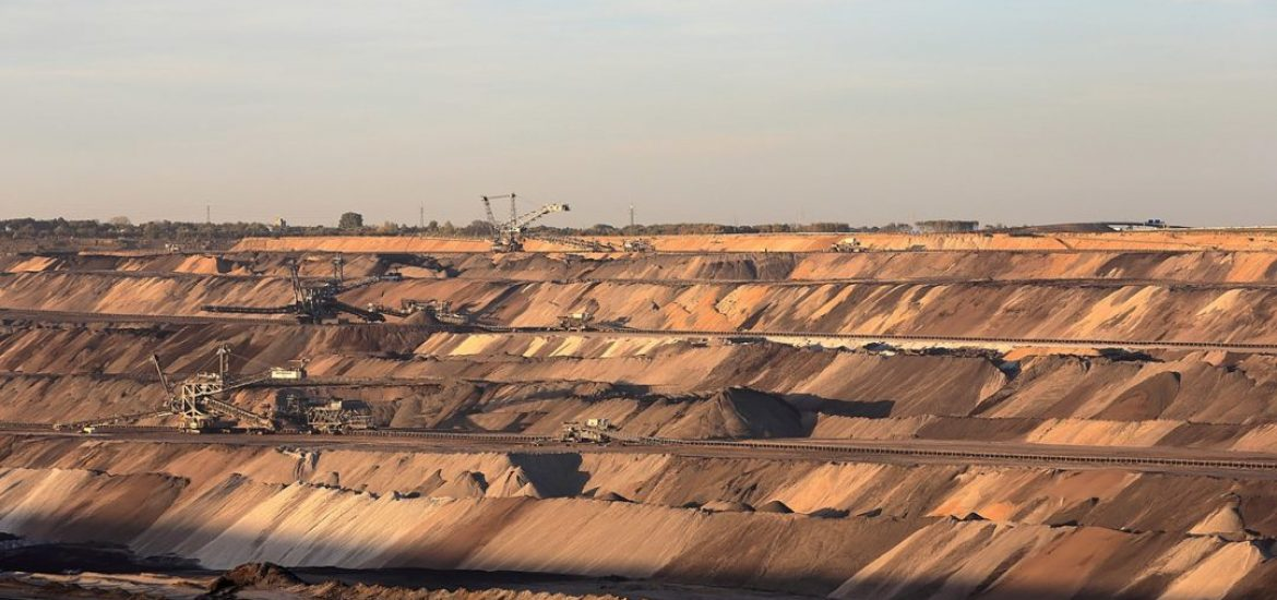 Activists storm German lignite mine