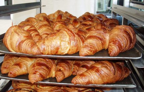 Study copies croissants to boost battery life