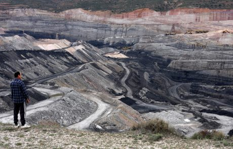 Spain agrees deal to close coal mines