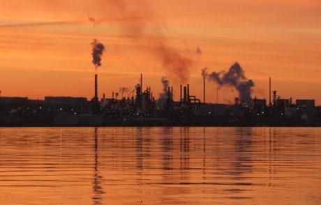 Oil refiners slash output as fuel demand plunges