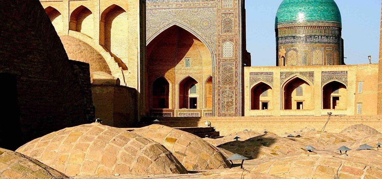Uzbekistan signs $1.3bn solar deal