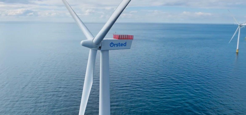 Denmark plans giant offshore wind hubs