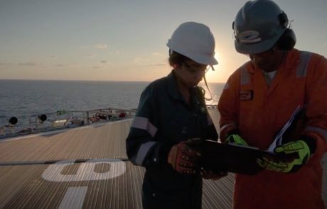 BP defies market to raise dividends