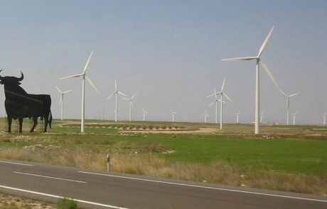 EIB funds Spanish wind farms as it ditches fossil fuels