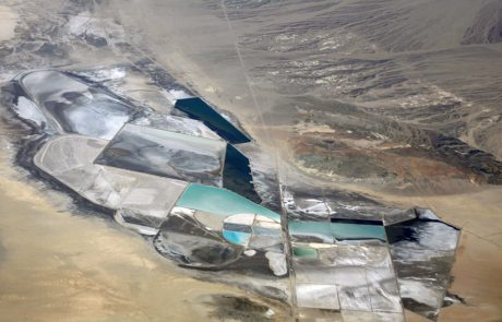 Lithium price tumbles as mines overestimate demand