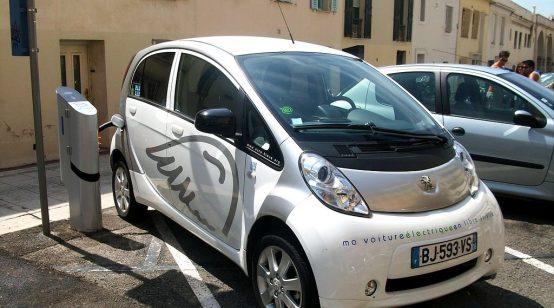 PSA unveils electrical drive