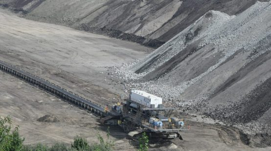 Polish opposition vows to end coal power by 2040