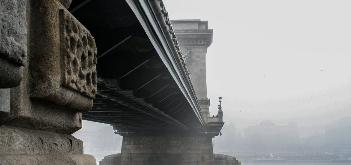 Hungary chokes on pollution