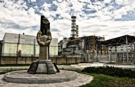 Merkel under pressure to delay nuclear power ban